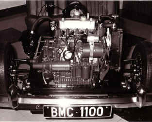 1100engine.jpg (78140 bytes)